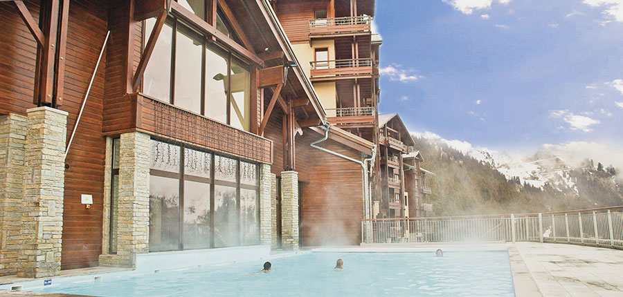 France_Flaine_montsoleil-terrasses-deos-apartments_exterior-with-pool.jpg